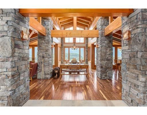 3822 SUNRIDGE DR, Whistler, British Columbia  V0N1B3 - V1080575 | Realtor.ca