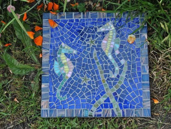 17 best images about mosaic stepping stones on pinterest for Garden mosaic designs