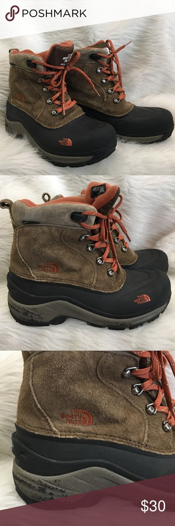 North face boys garcons winter warm boots size 6 North face brown garcons leather winter boy boots size 6, they are used and in ok condition. The boots are very warm with a waterproof sole. They are used and do have some wear as you can see in the pic. The boots come from a smoke free home. North Face Shoes Rain & Snow Boots