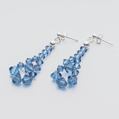 Swarovski Bicone Earrings 45mm Denim Blue  Dimensions: length: 4,5cm stone size: 4 and 6mm Weight ( silver) ~ 0,90g ( 1 pair ) Weight ( silver + stones) ~ 3,90g Metal : sterling silver ( AG-925) Stones: Swarovski Elements 5328 4 & 6mm Colour: Denim Blue 1 package = 1 pair  Price 7 EUR