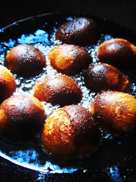 Detailed recipe for dark rasgullas