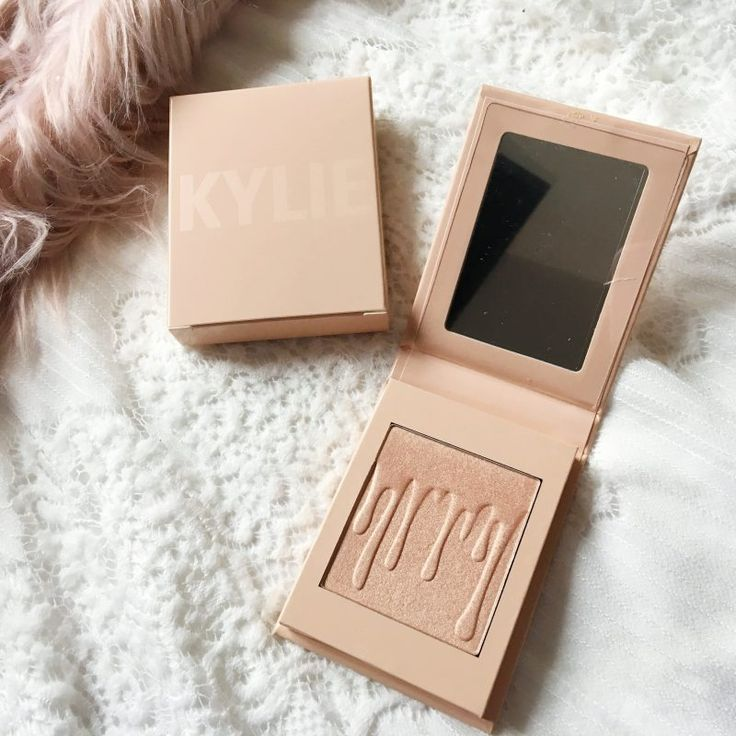Kylie Jenner Cotton Candy Cream Highlighter