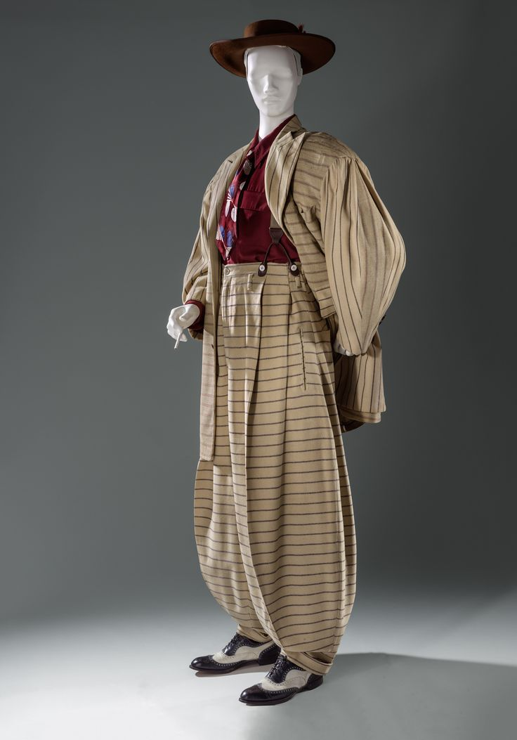 Zoot Suit, 1940–1942. COMING SPRING 2016: A garment pattern of this extant zoot suit, which illustrates just how its extreme, larger-than-life proportions were created, will be available for free download—along with other fashions in Reigning Men—later this spring as part of LACMA's Pattern Project: Undertaking the Making.