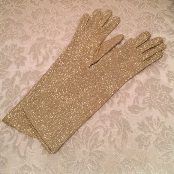 VTG GOLD METALLIC GLOVES Beautiful vintage metallic gold gloves! Fits smaller hands. Very Marilyn Monroe. Great condition. No tags. Vintage Accessories Gloves & Mittens