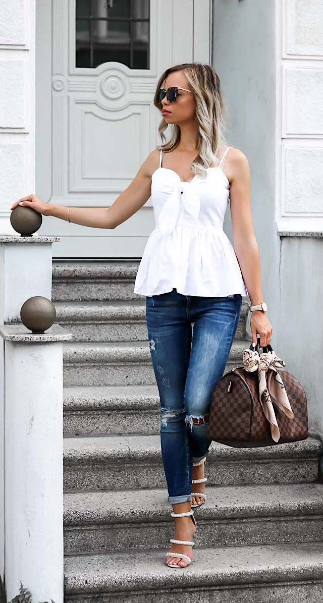 Sommer Outfit mit weißem Peplum Top von h&m, Jeans von Zara, Prada Sonnenbrille, Louis Vuitton Speedy 35 Tasche, und Sandaletten mit Perlen von Missguided.