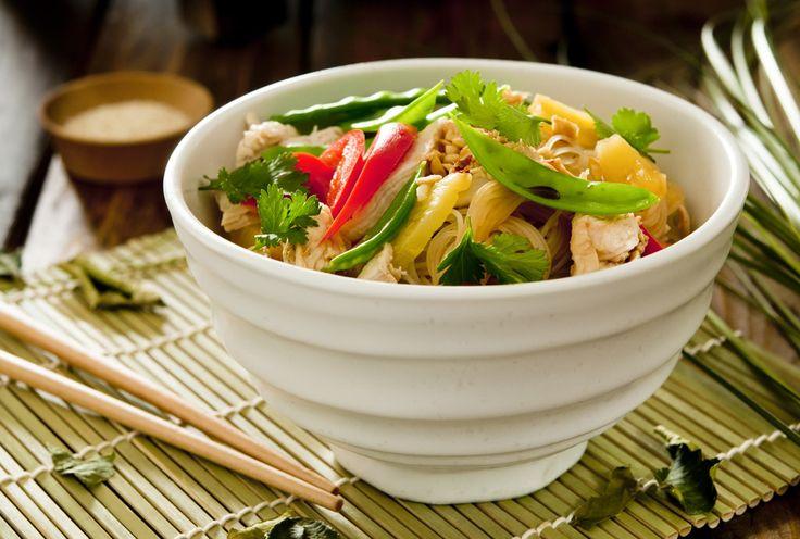 Thaise kip salade met kokos-limoen dressing
