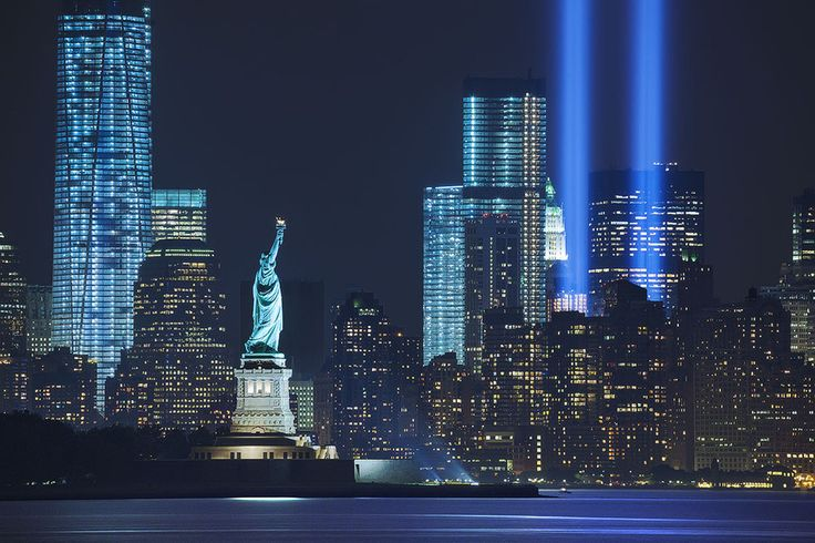 9/11 Memorial & Tribute by Road to the moon // Travel Photography (New York City, New York)