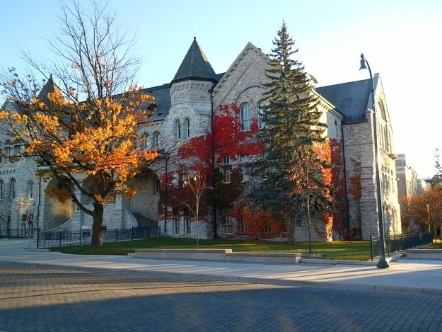 2. You appreciate the beauty of the campus, especially during autumn. | 33 Signs You Go To Queen's University, In Kingston.