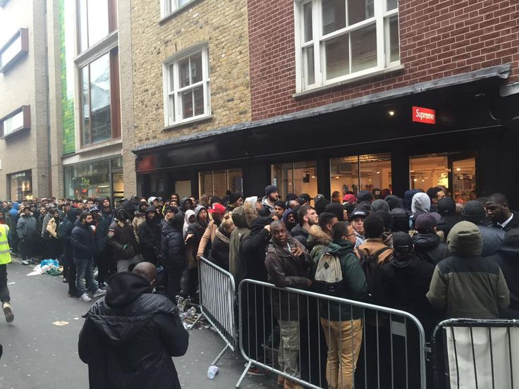 """James Lewis on Twitter: """"Queue for new Nike Jordan Supreme collaboration this morning. That's a pair of shoes. http://t.co/tiEoyARJTt"""""""
