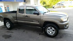 2014 Toyota Tacoma TRD OFF-ROAD Pickup Truck for sale in Windsor, Ontario  http://cacarlist.com/toyota/2014-toyota-tacoma-trd-off-road-pickup-truck_23732-24820.html