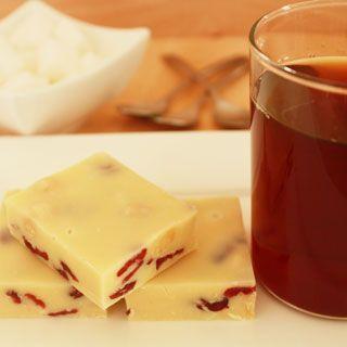 Witte chocolade fudge met cranberry's en hazelnoten