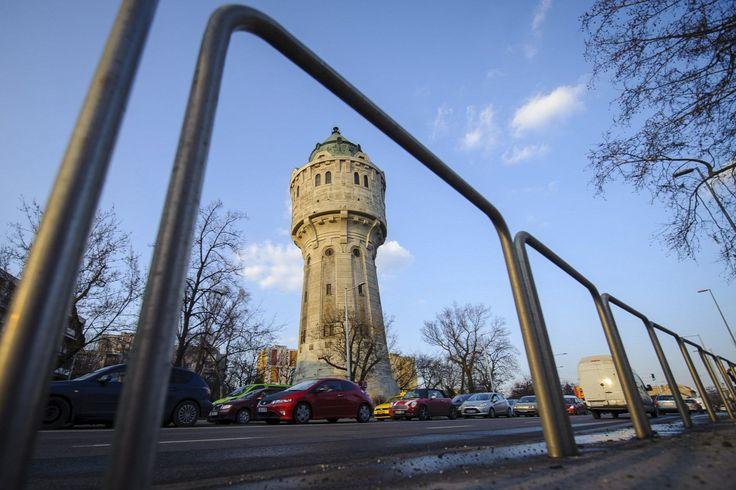 Egyedi tervezésű víztorony a főváros IV. kerületében, az Árpád úton  Forrás: MTI/Czeglédi Zsolt