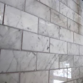 Ziarat/Carerra White Marble Mosaic Tile and grout color