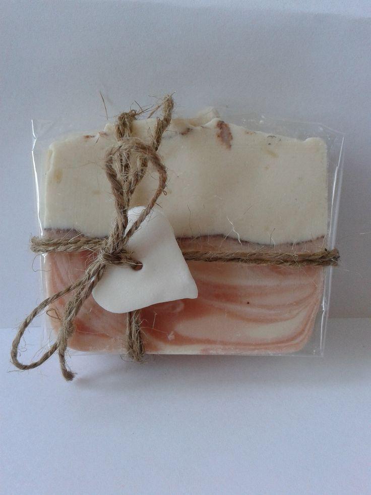 Brusnicové mydlo s ružovým íľom