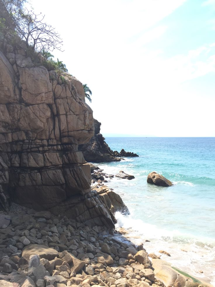 Discover new family adventures as you explore the rocky shores of Mexico, near Hyatt Ziva Puerto Vallarta. Picture-worthy moments are hidden just beyond the cliffs.