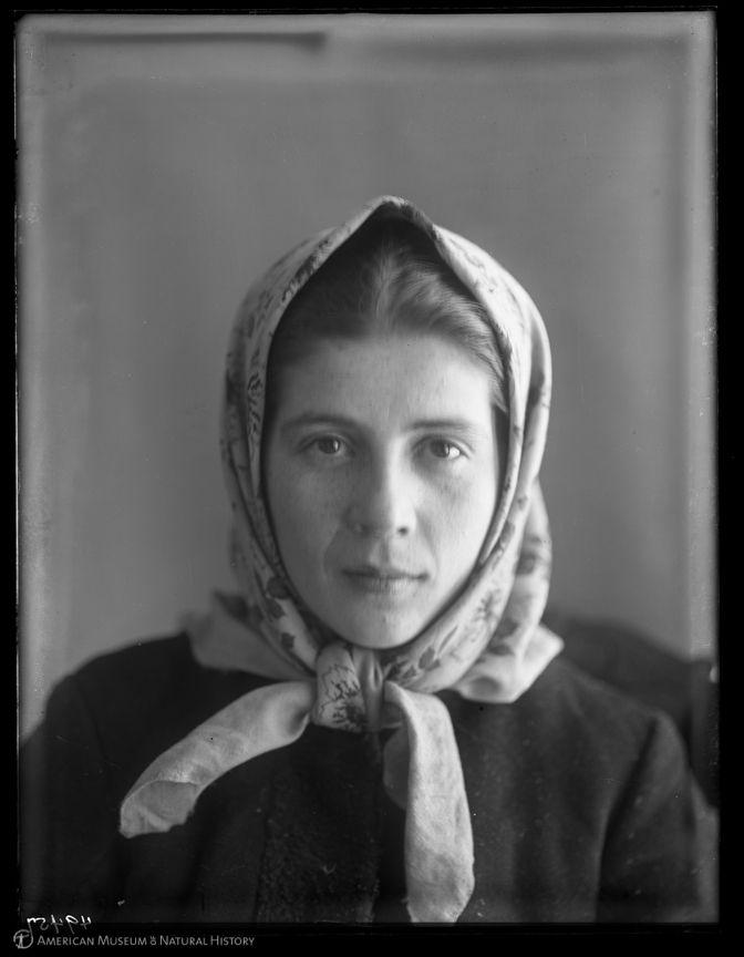 Woman, Ellis Island, 1907