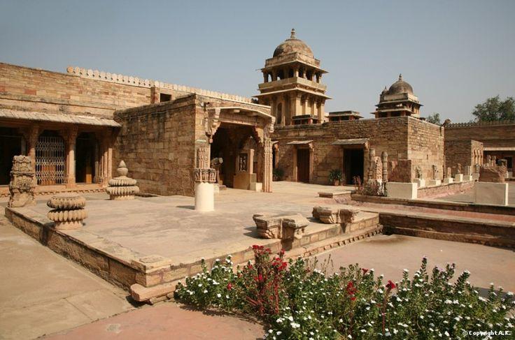 Gujari MAHAL ARCHAEOLOGICAL MUSEUM-- insecula