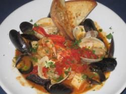 Chef Kevin Violet Of Chapin S Restaurant In Dennis On Cape Cod Shares His Seafood Cioppino