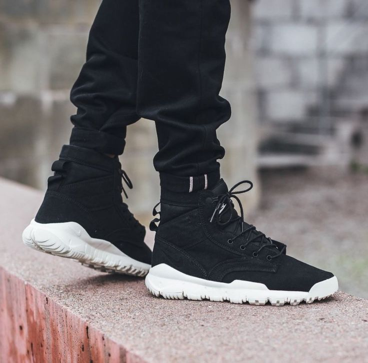 """NIKE SFB 6"""" CANVAS NSW MEN'S WALKING BOOTS SHOES OUTDOOR BLACK 844577 001 NEW #Nike #HikingTrail"""