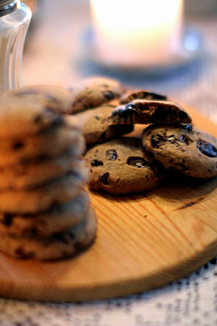 Gingerbread chocolate chip cookies! Recipe in Swedish at http ...