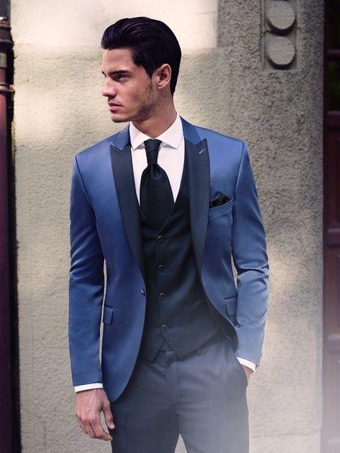 Pánsky oblek modrý svadobný salón valery