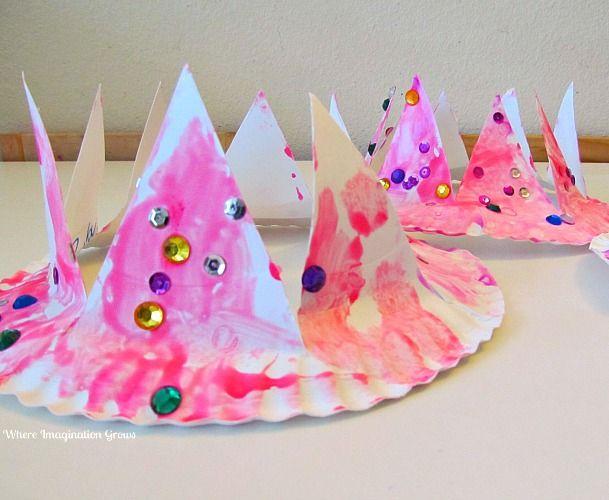 DIY paper plate crown craft