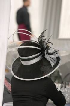 Fabulous formal hat in white and black - a stylish look for the mother of the bride.