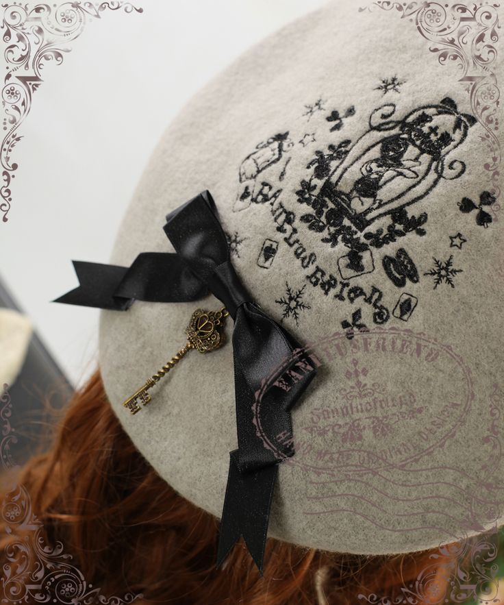 fanplusfriend - Bunny Alice Classic Lolita Embroidery Wool Beret