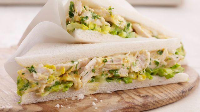 Sandwich au poulet façon César.