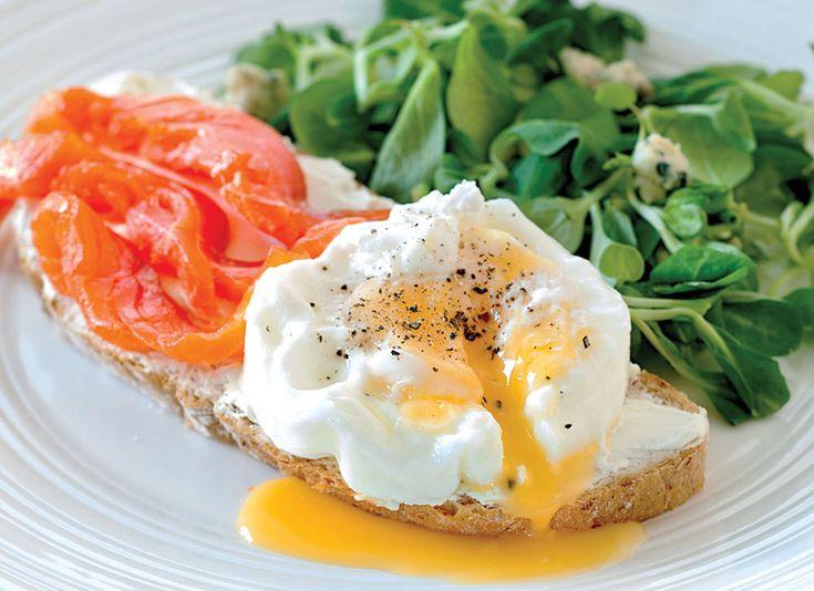 Ab ovo: Бутерброд с яйцом и слабосоленым лососем