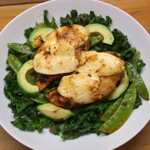 """Try this Peri Peri chicken with mozzarella and curly kale  #leanin15 #foodie #thebodycoach"""