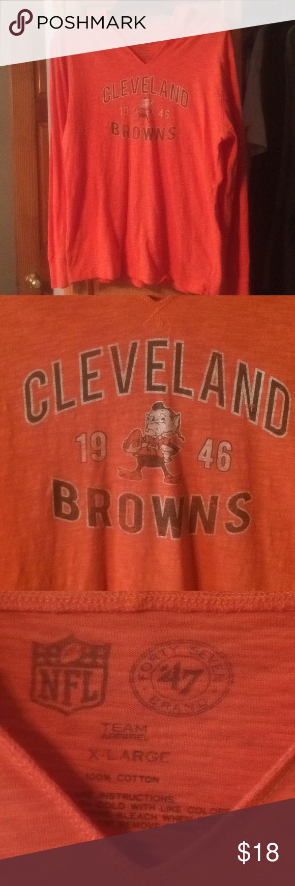 Women's Cleveland Browns Hooded T-Shirt Excellent shape hooded v-neck long sleeve t-Shirt. Sleeves are cuffed. Non smoking home NFL Team Tops Tees - Long Sleeve