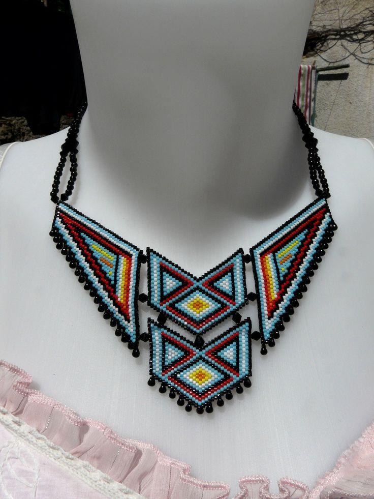 """Collier plastron en tissage Brick Stitch, style """"Amérindien"""" : Collier par laurette-perles-creation"""