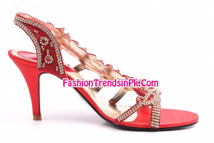 Stylo Shoes Eid Collection 2014 Female Footwear, Sandals, High Heels, Flat Chappal and Slipper Designs for Women and Girls with Stylo Shoes Pics and Price.