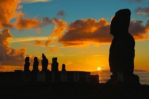 sunset @ ahu tahai, easter island