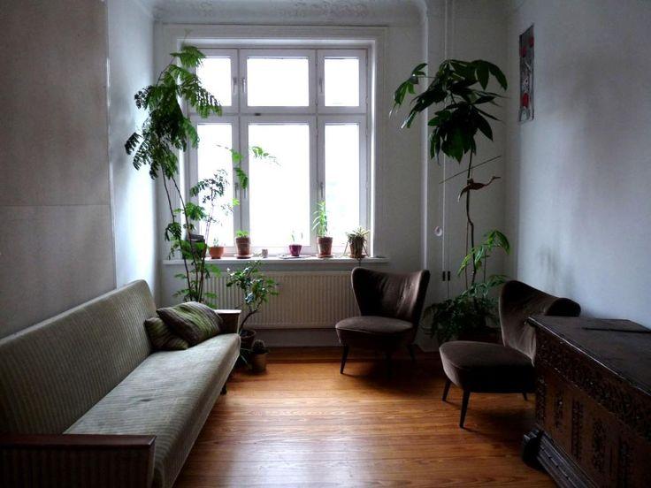 geraumiges galerie wohnzimmer dreiecksfenster gefaßt pic der aacfbcbeacbc