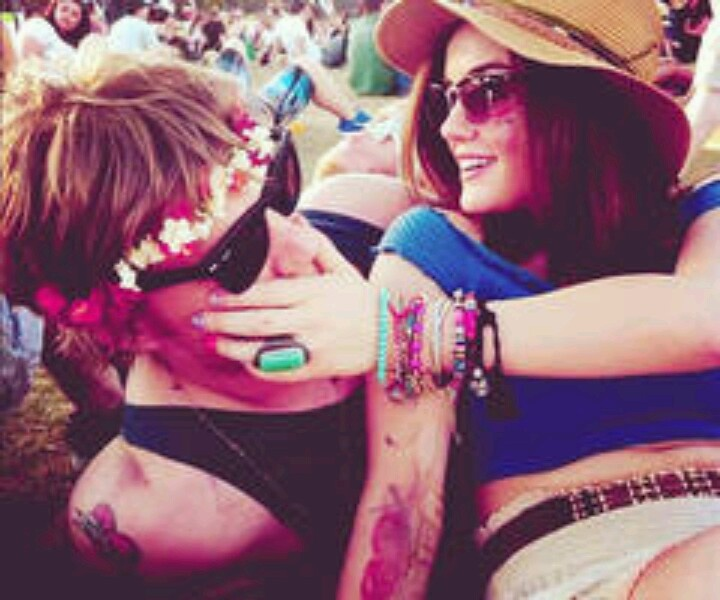 Hippie Couples