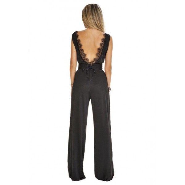 Salopeta Janice - http://missgrey.ro/salopete/37-salopeta-janice.html Salopeta neagra cu spatele gol si dantela fina  Material: elastic, dantela fina Culoare: negru