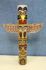 Totem Poles from paper towel tube. Use Nature of Arts non-toxic paint for kids for this fun project! - easy way finder, pinned by www.EcokIdsart.com