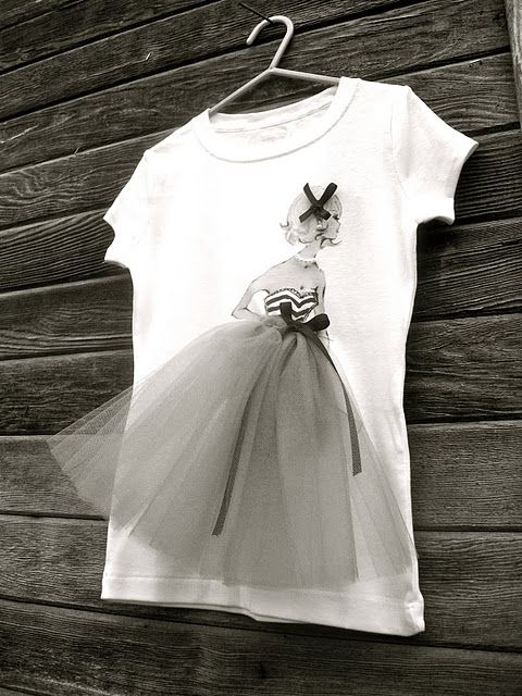 INSPIRACIÓ Supplies: white tee, digital printer, vintage Barbie image, tulle, fabric, ribbon, pearls... So sweeeet!