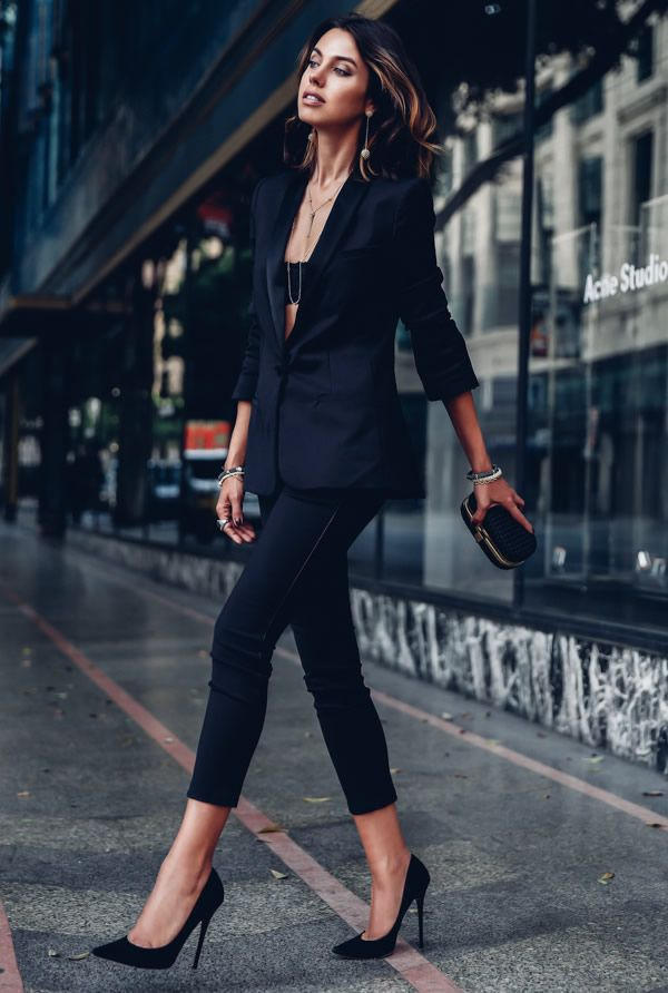 look total black calça social blazer