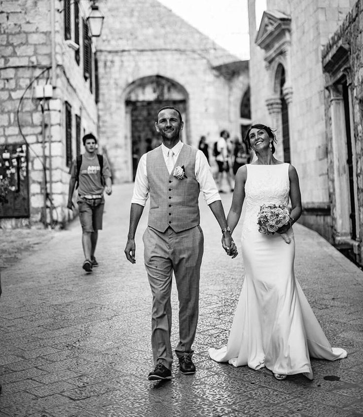 La sposa real bride married in Croatia. Dress from www.theweddingdresscompany.co.uk  High neck plain sheath dress extremely elegant 😍