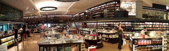 Mega Livraria Travessa do Barrashopping. Foto de celular