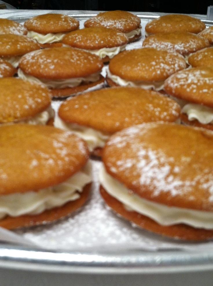 Mini Pumpkin Whoopie Pies | Christmas Time | Pinterest | Whoopie pies ...