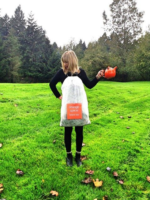 In search of a last minute Halloween costume? We've got you covered. Stand out from the crowd with this fun DIY tea bag costume! It's quick, simple and inexpensive to make! Learn how! [[MORE]] Stash...