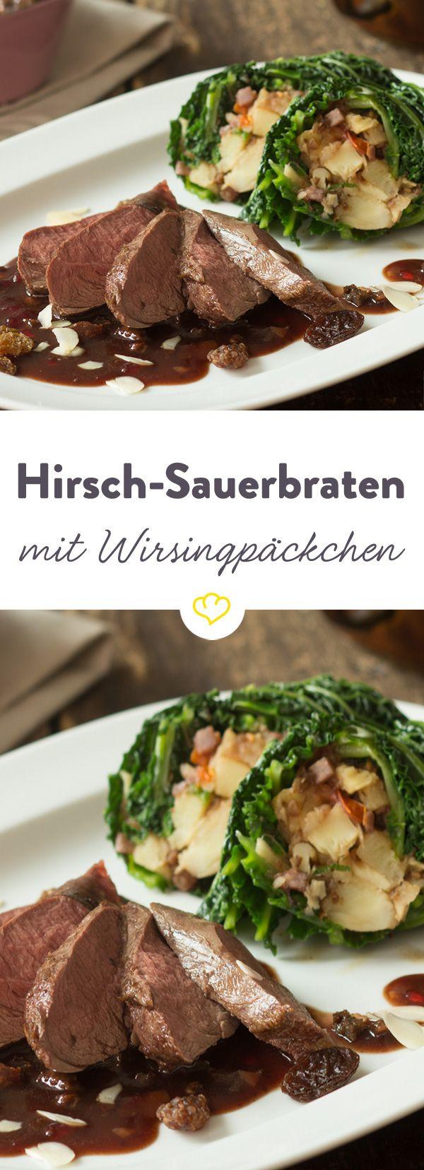 Begeistere deine Lieben mit zartem Hirschfilet, das von einer köstlichen Bratensauce umschmeichelt und von üppig gefüllten Wirsingrouladen begleitet wird.