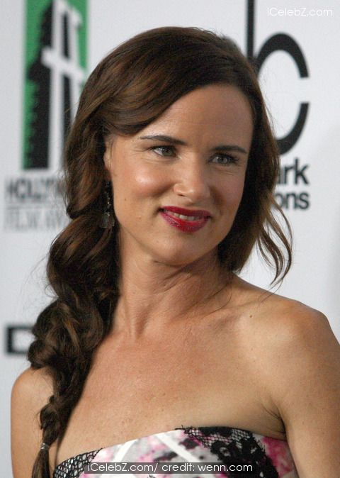 Juliette Lewis (17th Annual Hollywood Film Awards Held at The Beverly Hilton Hotel) http://www.icelebz.com/events/17th_annual_hollywood_film_awards_held_at_the_beverly_hilton_hotel/photo6.html