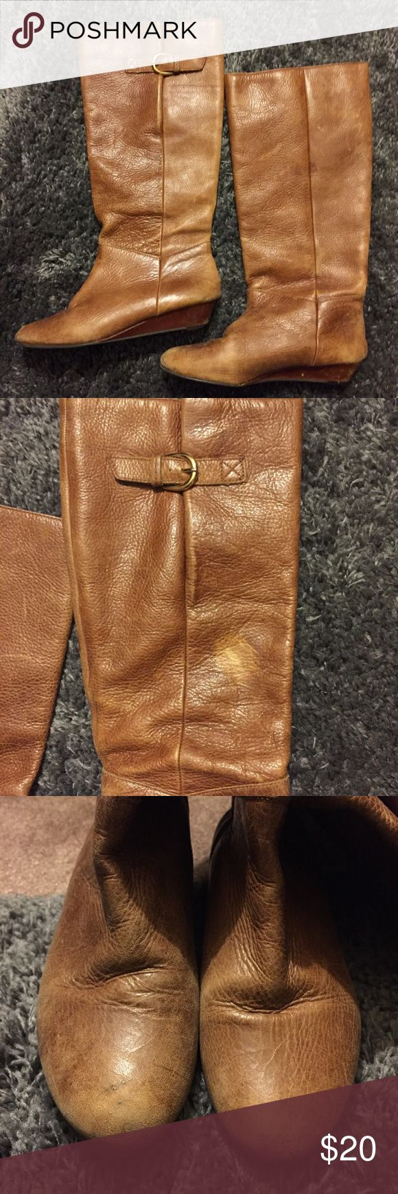 Steve Madden Intyce boots🎀 Must have Steve Madden boots! Have some noticeable wear but still have lots of life :) does have a white mark as pictured Steve Madden Shoes Heeled Boots