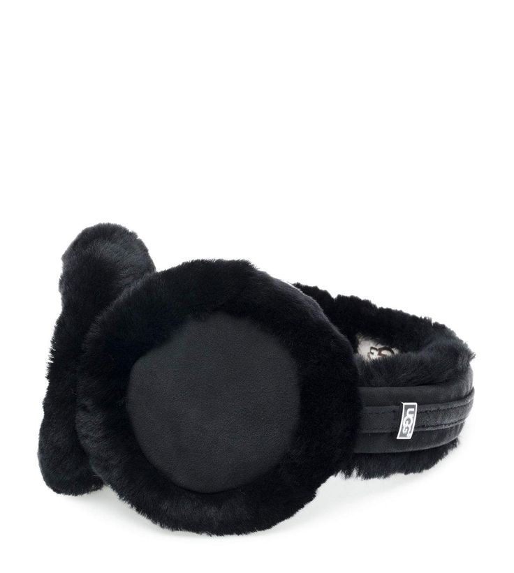 Shop our collection of women's earmuffs including the Wired Classic Sheepskin Earmuff . Discover the season's best styles at the Authentic UGG® Canada Site - UGG.com/ca.