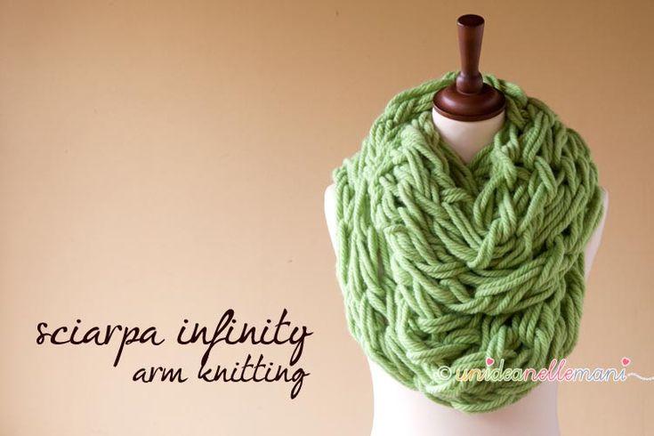 infiniti-scarf, sciarpa infinity, sciarpa a maglia, tutorial sciarpa con le mani,